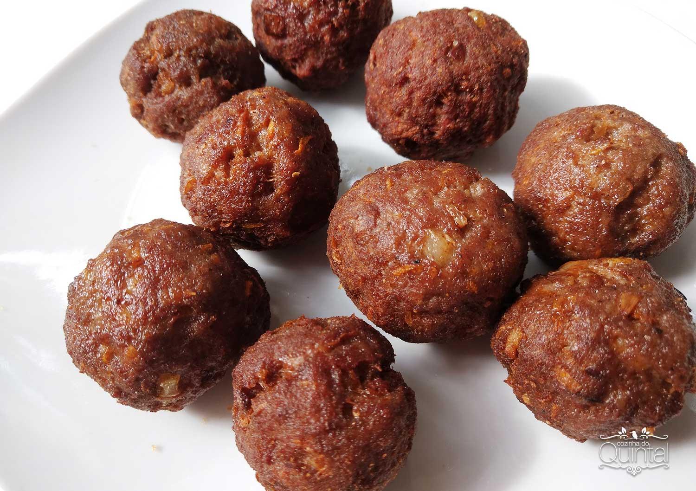 Almôndegas Fáceis e Deliciosas em 2 Versões na Cozinha do Quintal. Esta é a versão normal, sem empanar.