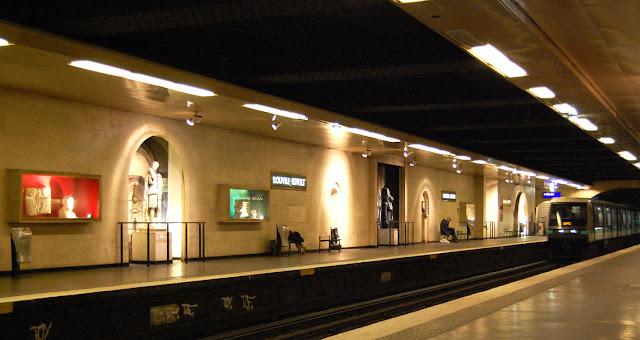 As estações de metrô mais bonitas e diferentes de Paris - Louvre-Rivoli