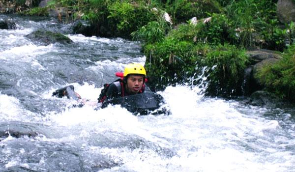 Sungai Pusur klaten body rafting
