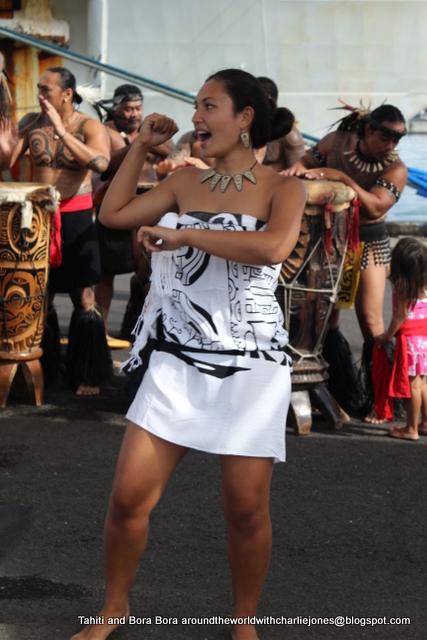 Around The World In Eighty Dresses 17 2 11 Amp 18 2 11 Tahiti