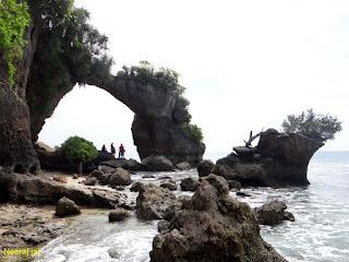 नील द्वीप में प्राकृतिक पुल के नज़ारे