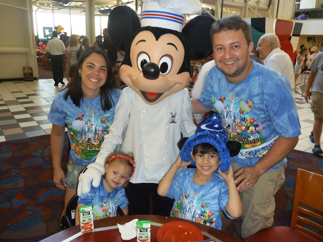Chef Mickey - Refeição com personagem na Disney