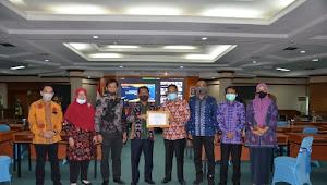 Untuk Asesmen, Riau Terima Sertifikat Kategori A
