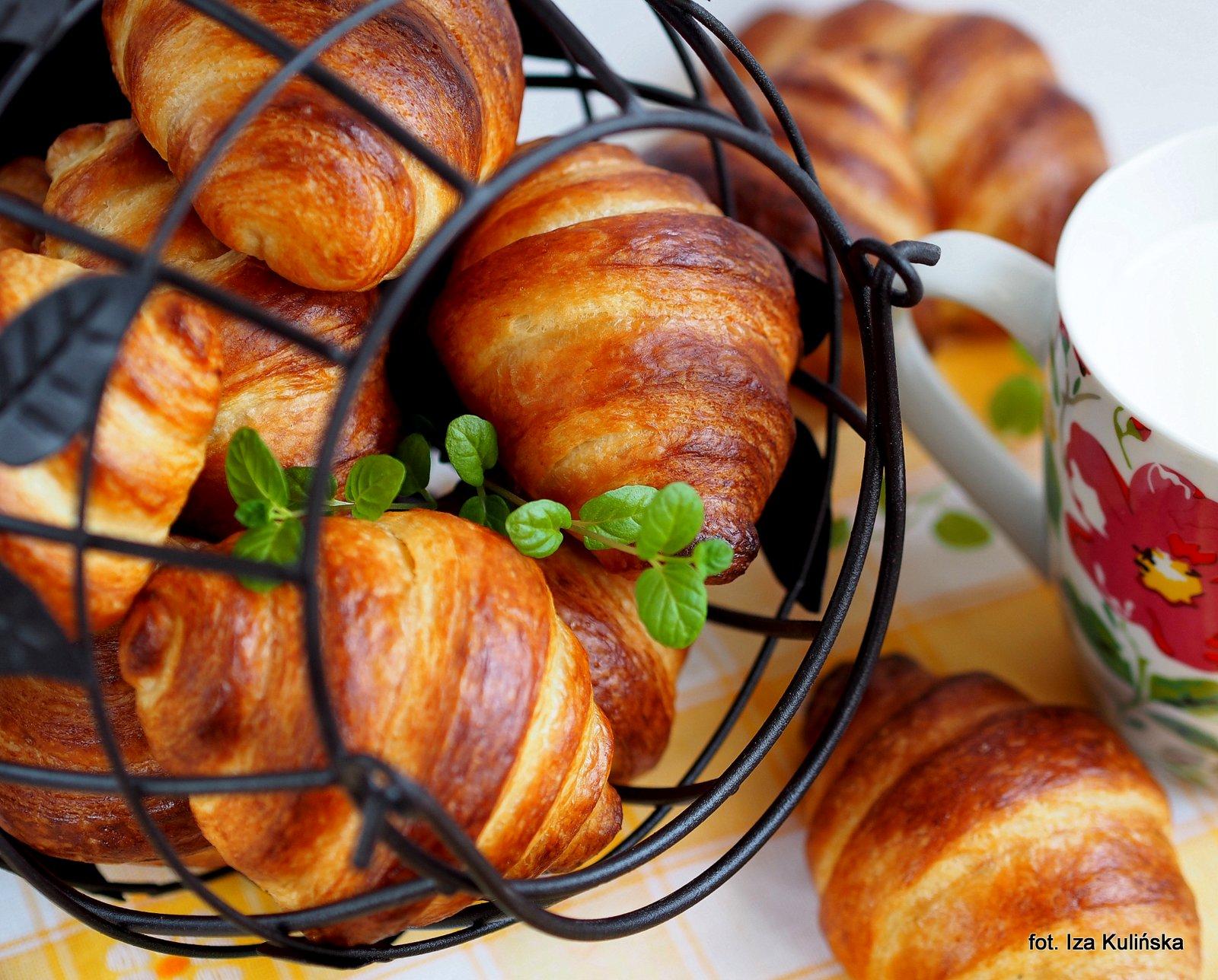 Rogaliki francuskie - Croissants - wypiekanie na śniadanie
