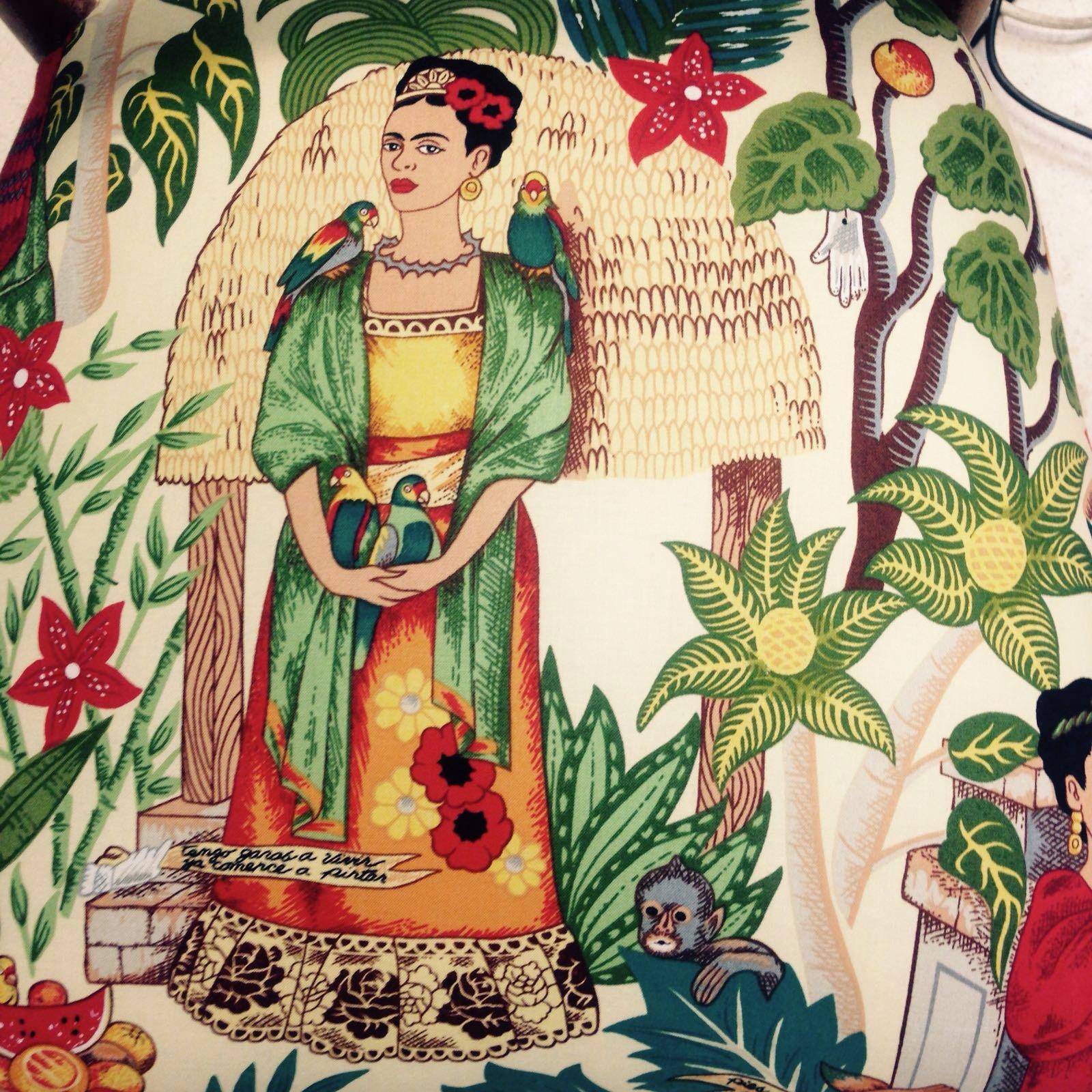 Silla a os 50 tapizada con tela de frida kahlo handbox - Telas tapiceria madrid ...