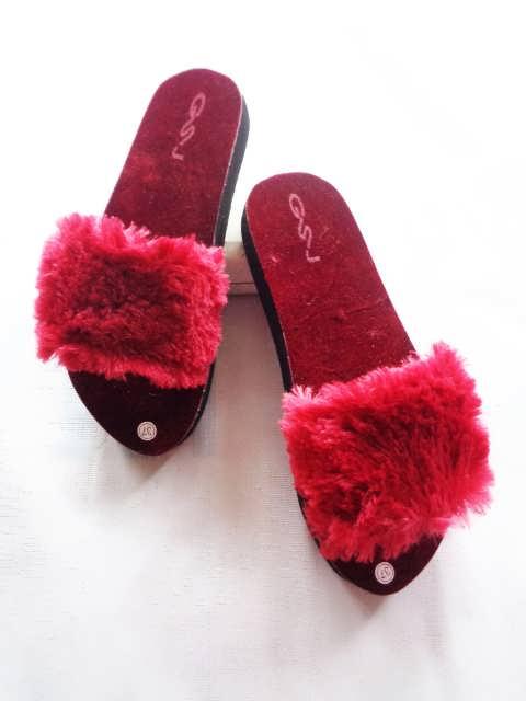 Sandal Slop Bulu DWS  GSJ - Pabrik Sandal Jepit Murah