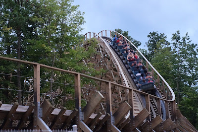 Kings Island Mystic Timbers first hill
