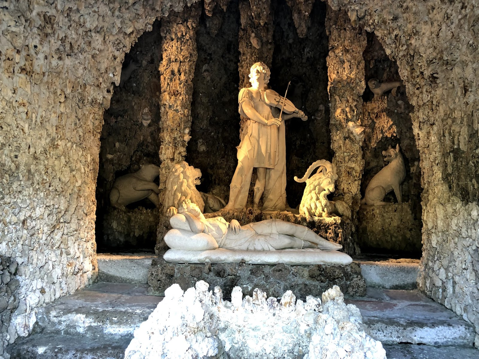 salzburg itinerary Hellbrunn Palace & Trick Fountain