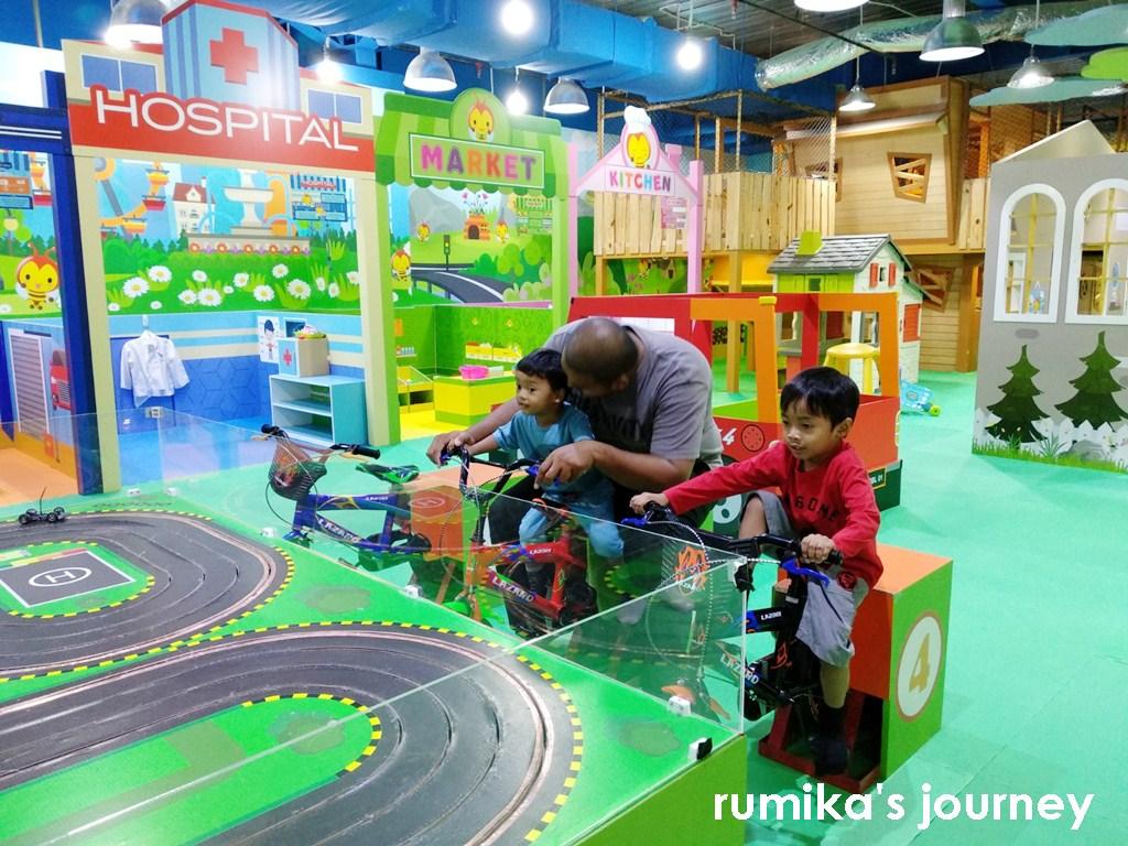 Bee Bee Land Depok Mall Tempat Main Super Seru Untuk Anak Anak