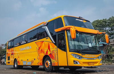 Foto Bus New Shantika 7 Orange