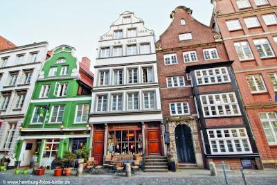 Deichstraße mit Kolonialwarenladen