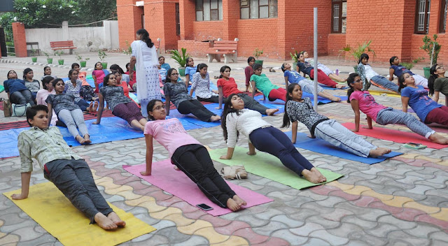 yoga-session-in-ymca-university-faridabad