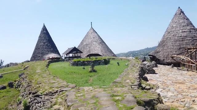 7. Todo Traditional Village, Flores