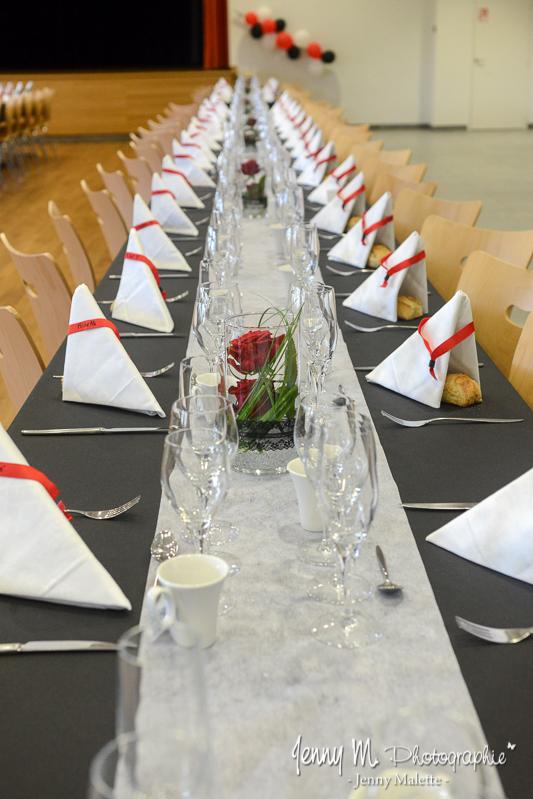 idée déco mariage table repas thème rouge et noir
