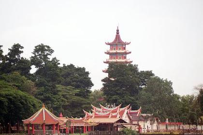 Tempat Wisata Cinta Ala China Di Tengah Sungai Musi
