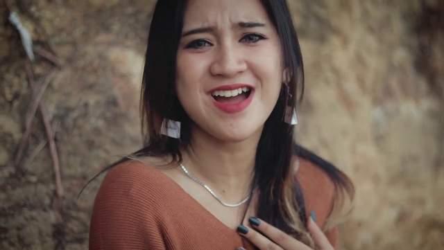 Lirik Lagu Anjeun Buaya - Fanny Sabila