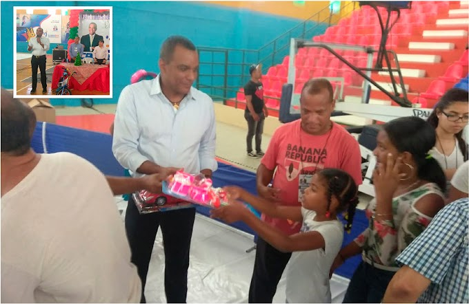 Fundación Carlos Gómez entrega juguetes a 1.400 niños el Día de Reyes en Moca