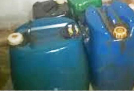 Depósito clandestino de combustíveis é localizado pela polícia no Farol