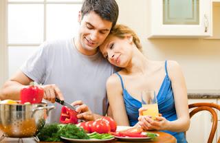 بعد الاشتراك معا في إعداد وجبة :