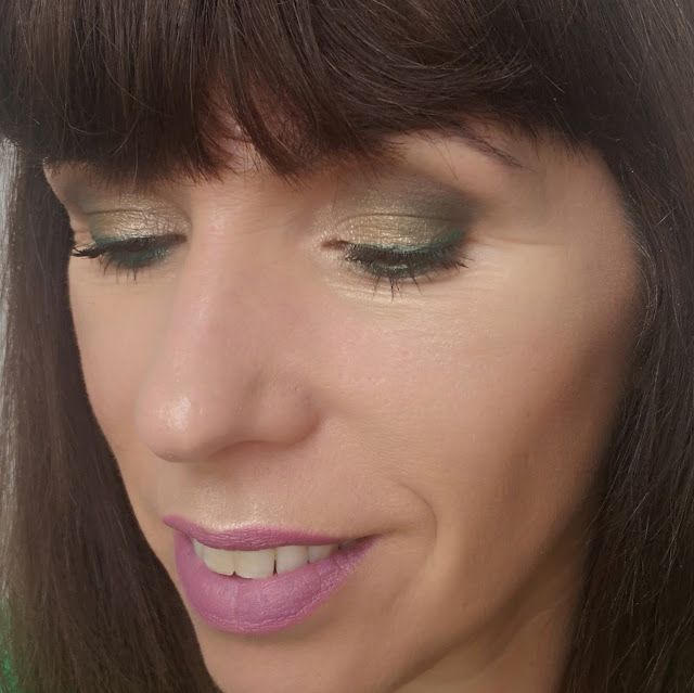 maquillaje champán y verde