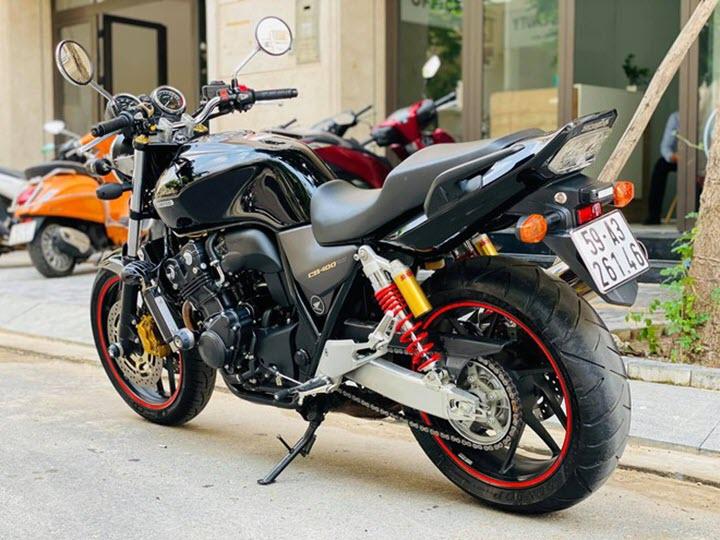 Honda CB400 dùng 5 năm bán lại 325 triệu đồng