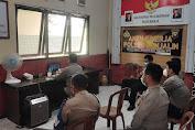 Penanganan COVID-19, Kapolsek dan Anggota Mengikuti Meeting Zoom
