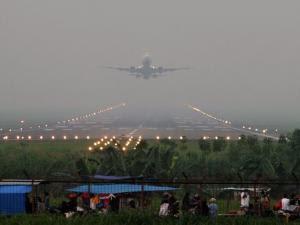 Penerbangan Pesawat di cuaca buruk