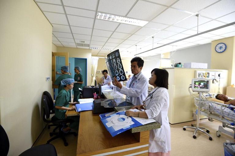 Học ngành y dược cần phải có trí tuệ thông minh ở mức cần thiết