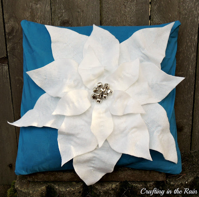 poinsettia pillow tutorial crafting in the rain. Black Bedroom Furniture Sets. Home Design Ideas