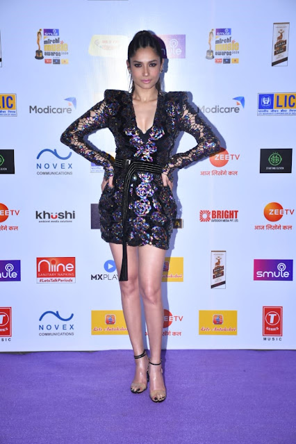 Ankita Lokhande Looks Radiant At The Mirchi Music Awards Navel Queens