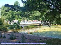 Puente sobre la laguna del parque de St. James