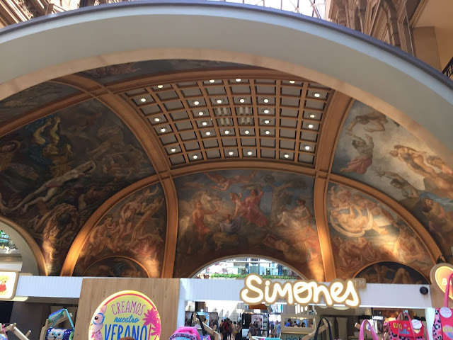 Ceiling Mural over fountain in Recoleta Mall