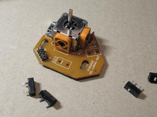 G13のジョイスティック基板、スイッチを外したところ