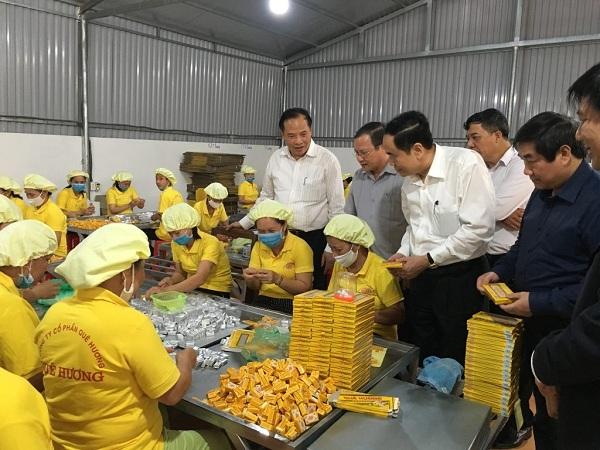 Làng nghề làm bánh đậu xanh (Hải Dương)