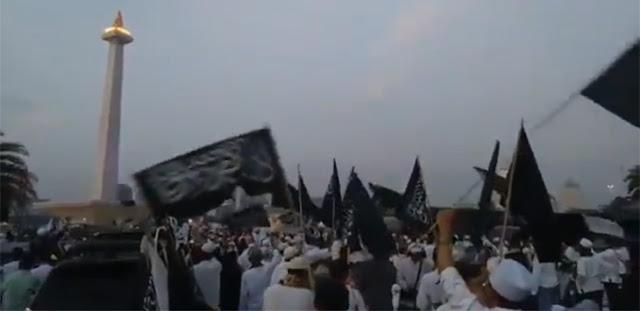 """Reuni 212: Bendera Tauhid Berkibar, Lagu Habib Bahar Menggema, """"Habisi Pengkhianat Bangsa"""""""