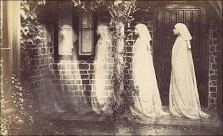 هنا تسكن الأشباح قصة رعب مخيفة إلي أقصى درجة لا أنصحك بقراءتها ليلاً