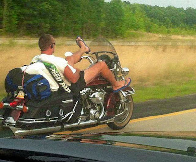 Coole Männer auf Motorrad lustig