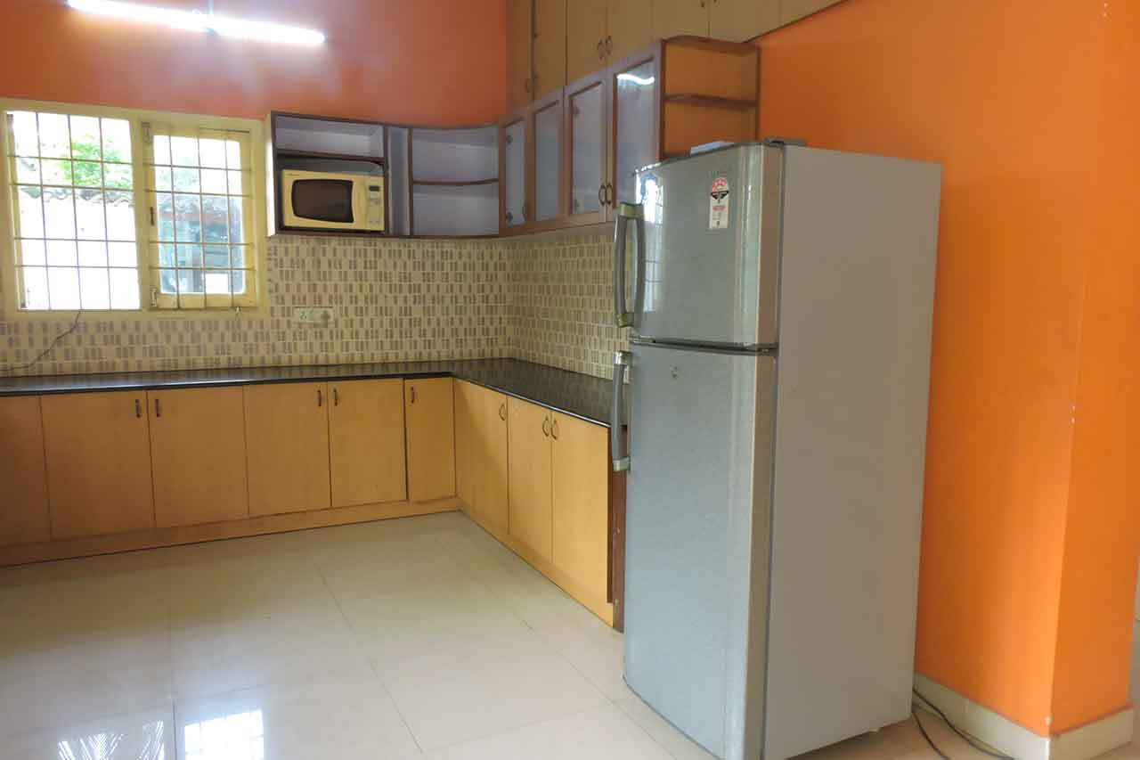 beach house in ecr with kitchen facility