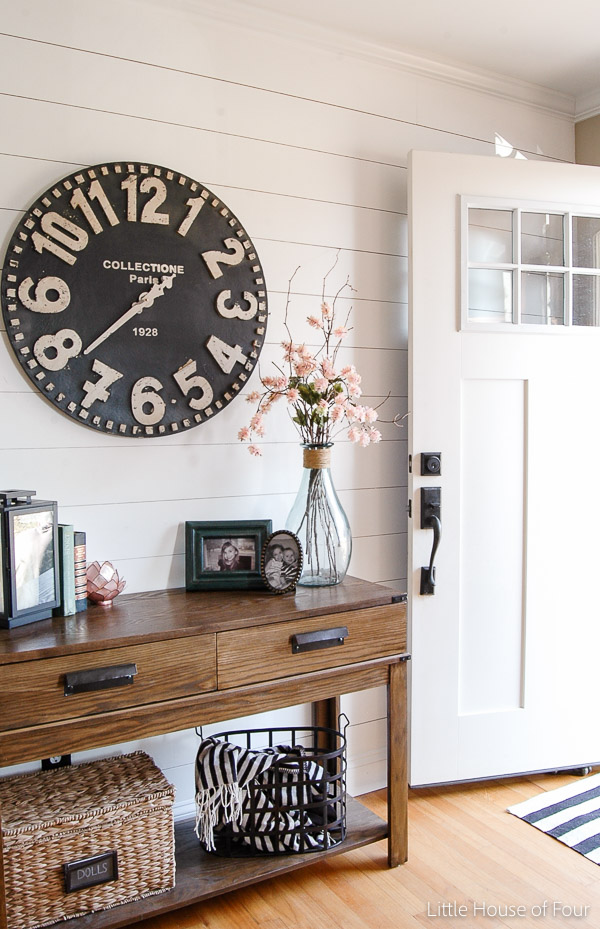GORGEOUS spring entryway