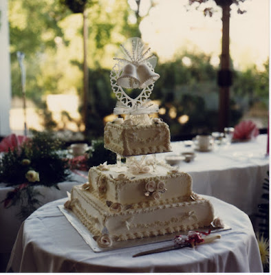 The road less travelled microblogmondays 32 our wedding cake july 6 1985 sciox Choice Image