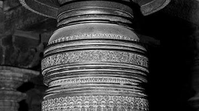 चन्नकेशवा मंदिरातील खांब (बेलूर, कर्नाटक)