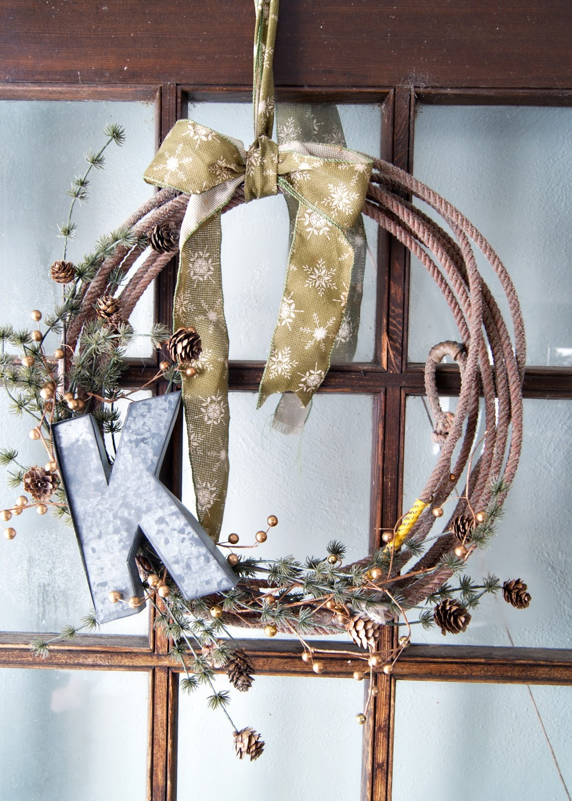 how to make a simple winter rope wreath rope metal letter pinecones