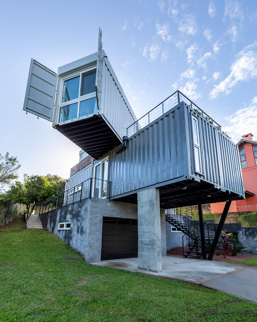 Casa Conteiner RD - 350 sqm Two Story Shipping Container Home, Brazil 28