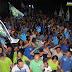 Multidão acompanha Raimundo e Jenó em visita ao bairro do Coqueiro