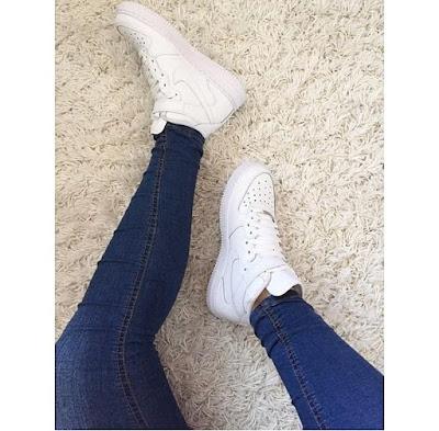 Hãy điểm qua 2 mẫu giày sneaker rất có tính và phong