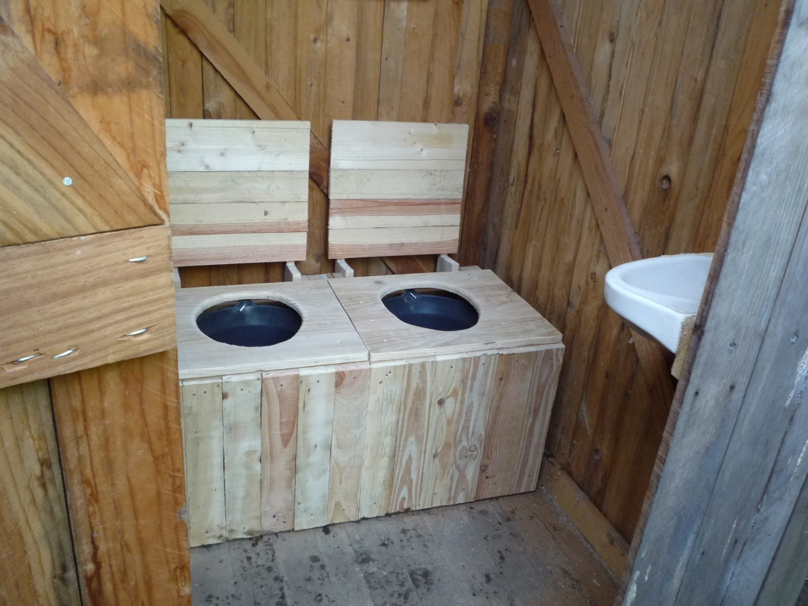 Build Your Own Composting Toilet : Diy dry toilet system for euros or part the cabin