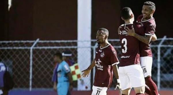 Curraisnovese Thiago Potiguar marca o gol da vitória da Juventus