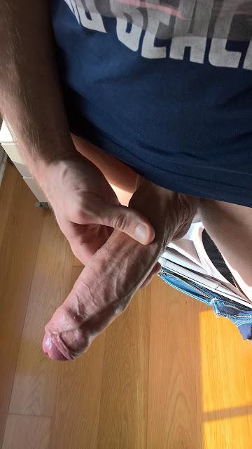 Penis Besar dan Panjang Sudah Konak