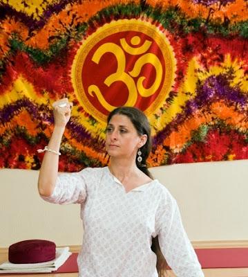 Kolozsvár, jóga, női jóga, Naliní Női jóga, képzés, workshop, Erdély, jógaoktató képzés, nőiség, Kovács Gyöngyi Naliní,