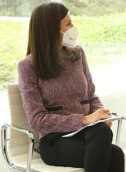 Queen Letizia wore a multi coloured jacquard regular fit tailored jacket from Hugo Boss, and black trousers from Boss